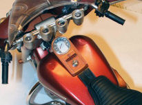 FItted gauges and tank on 1/6 Harley